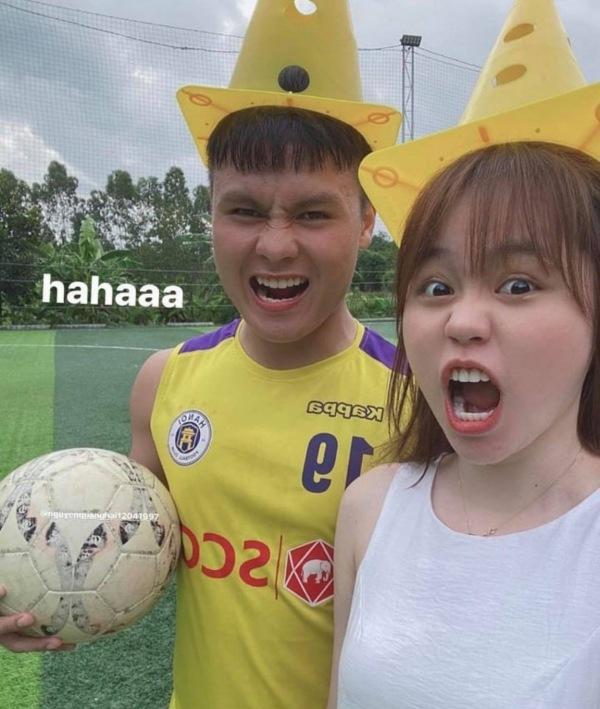Nguyễn Quang Hải và hot girl Huỳnh Anh